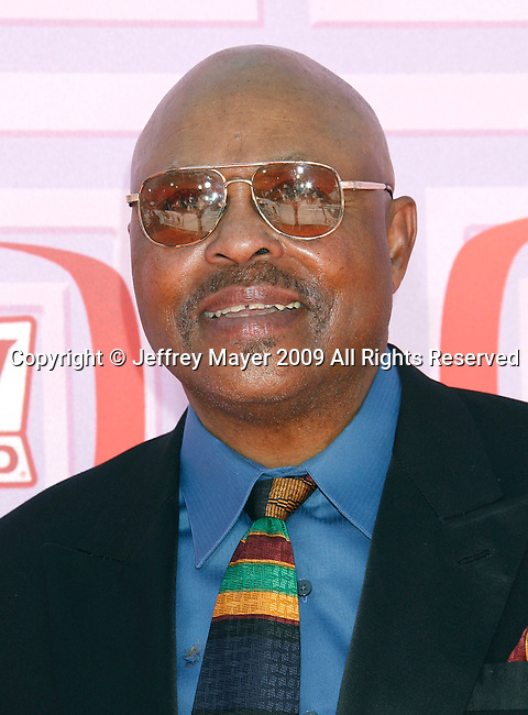 UNIVERSAL CITY, CA. - April 19: Roger E. Mosley arrives at the 2009 TV Land Awards at the Gibson Amphitheatre on April 19, 2009 in Universal City, California.