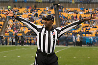 ACC field judge Milton Britton. The Pitt Panthers defeated the Virginia Cavaliers 31-14 at Heinz Field, Pittsburgh, PA on October 28, 2017.