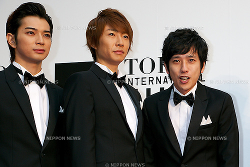 ARASHI, October 23 2014, Tokyo, Japan: Members of  the idol group ARASHI pose for the cameras at the 27th Tokyo International Film Festival, Opening Event Red Carpet at Roppongi Hills Arena in Tokyo, Japan, October 23, 2014. This year the Prime Minister Shinzo Abe attends the opening ceremony. The Film Festival will run through until Friday 31. (Photo by Rodrigo Reyes Marin/AFLO)