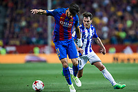 Andre Gomes of FC Barcelona and Ibai Gomez of Club Deportivo Alaves during the match of  Copa del Rey (King's Cup) Final between Deportivo Alaves and FC Barcelona at Vicente Calderon Stadium in Madrid, May 27, 2017. Spain.. (ALTERPHOTOS/Rodrigo Jimenez) /NortePhoto.com