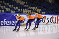 SCHAATSEN: HEERENVEEN: IJsstadion Thialf, 10-01-2013, Seizoen 2012-2013, Essent ISU EK allround training, Linda de Vries (NED), Antoinette de Jong (NED), Ireen Wüst (NED), ©foto Martin de Jong