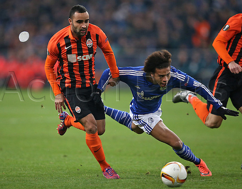 25.02.2016. Gelsenkirchen, Germany. Europa League Round of 32 Second Leg soccer match between Schalke 04 and FC Shakhtar Donetsk in the Veltins Arena in Gelsenkirchen, Germany. Ismaily (Schachtar Donezk) challenges Leroy Sane (Schalke)