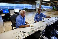 COU - Comando de Operações da Usina (sala de controle)<br /> <br /> Tucuruí, Pará, Brasil.<br /> Foto Paulo Santos.<br /> 27/08/2013