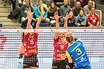 20.12.2017, Margon-Arena, Dresden, GER, DVV-Pokal Damen Halbfinale, Dresdner SC vs. SSC Palmberg Schwerin, im Bild<br /> <br /> <br /> Louisa Lippmann (#3, SSC Palmberg Schwerin), Ivana Mrdak (#15, Dresdner SC), Katharina Schwabe (#16, Dresdner SC), <br /> <br /> Foto &copy; nordphoto / Dostmann