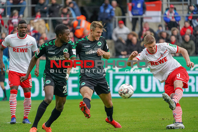 01.12.2018, RheinEnergieStadion, Koeln, GER, 2. FBL, 1.FC Koeln vs. SpVgg Greuther Fürth,<br />  <br /> DFL regulations prohibit any use of photographs as image sequences and/or quasi-video<br /> <br /> im Bild / picture shows: <br /> torchance fuer Simon Terodde (FC Koeln #9),  gegen Richárd Magyar (Fuerth #5), David Atanga (Fuerth #20), <br /> <br /> Foto © nordphoto / Meuter