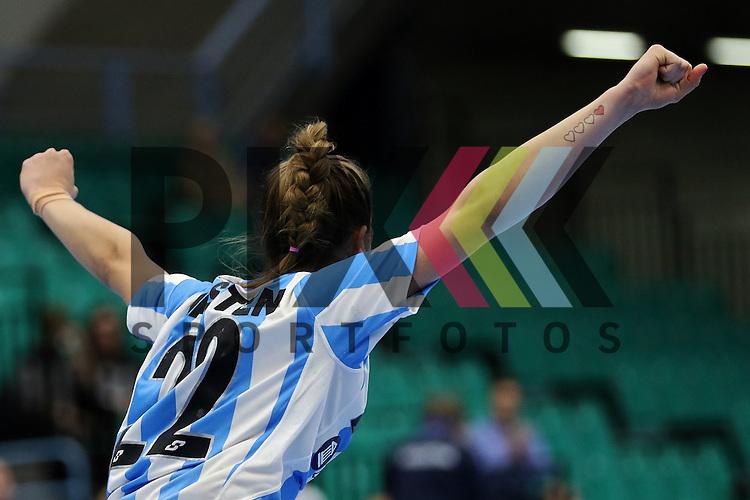 Kolding (DK), 010.12.15, Sport, Handball, 22th Women's Handball World Championship, Vorrunde, Gruppe C, Argentinien-Brasilien : Elke Karsten (Argentinien, #22)<br /> <br /> Foto &copy; PIX-Sportfotos *** Foto ist honorarpflichtig! *** Auf Anfrage in hoeherer Qualitaet/Aufloesung. Belegexemplar erbeten. Veroeffentlichung ausschliesslich fuer journalistisch-publizistische Zwecke. For editorial use only.