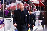 S&ouml;dert&auml;lje 2014-10-23 Ishockey Hockeyallsvenskan S&ouml;dert&auml;lje SK - Malm&ouml; Redhawks :  <br /> S&ouml;dert&auml;ljes tr&auml;nare coach Jan Janne Karlsson ser nedst&auml;md ut efter matchen mellan S&ouml;dert&auml;lje SK och Malm&ouml; Redhawks <br /> (Foto: Kenta J&ouml;nsson) Nyckelord: Axa Sports Center Hockey Ishockey S&ouml;dert&auml;lje SK SSK Malm&ouml; Redhawks portr&auml;tt portrait depp besviken besvikelse sorg ledsen deppig nedst&auml;md uppgiven sad disappointment disappointed dejected