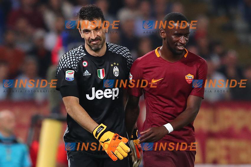 Gianluigi Buffon Juventus e Antonio Rudiger Roma<br /> Roma 14-05-2017  Stadio Olimpico <br /> Campionato Serie A AS Roma - Juventus<br /> Foto Cesare Purini / Insidefoto