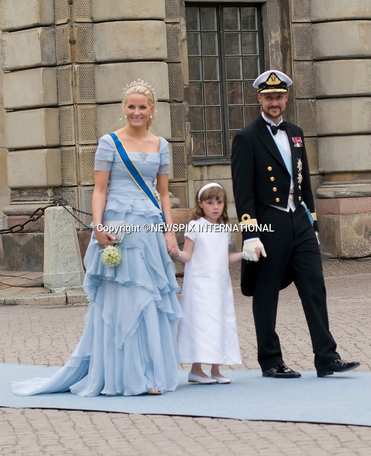 """CROWN PRINCE HAAKON AND CROWN PRINCESS METTE-NMARIT WITH DAUGHTER PRINCESS INGRID.PRINCESS VICTORIA AND DANIEL WESTLING WEDDING.Royal Guests at the wedding  Stockholm_19/062010.Mandatory Credit Photo: ©DIAS-NEWSPIX INTERNATIONAL..**ALL FEES PAYABLE TO: """"NEWSPIX INTERNATIONAL""""**..IMMEDIATE CONFIRMATION OF USAGE REQUIRED:.Newspix International, 31 Chinnery Hill, Bishop's Stortford, ENGLAND CM23 3PS.Tel:+441279 324672  ; Fax: +441279656877.Mobile:  07775681153.e-mail: info@newspixinternational.co.uk"""
