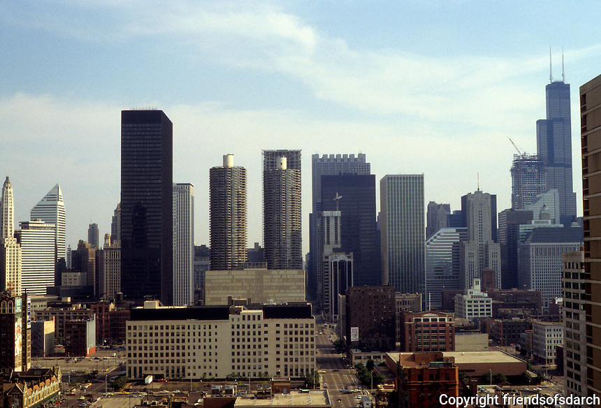 Chicago: Panorama--looking south and west, Sears Tower to right, Marina Towers, center. Photo '88.