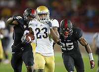 Stanford, Ca - Friday, November 30, 2012: Stanford vs UCLA in the Pac 12 Championships at Stanford University. Jonathan Franklin runs for a touchdown.