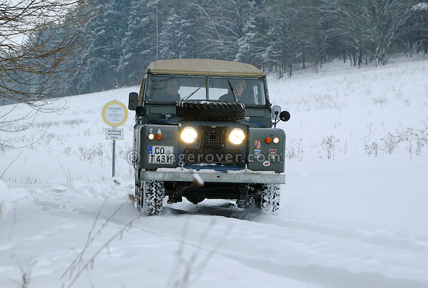 Germany, Land Rover Classic Club 2005. Victoria Meißner and Adrian in her Land Rover Series 2. --- No releases available. Automotive trademarks are the property of the trademark holder, authorization may be needed for some uses.