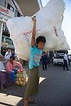 Carrying Goods, Gyee Zai Market