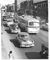 Trolleybus #4032, intersection Saint-Laurent et Van Horne.<br /> 1953.<br /> Source : Archives de la STM, S6/11.2.2.