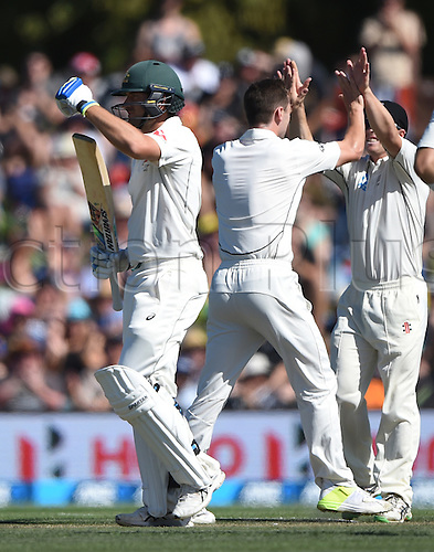 21.02.2016. Christchurch New Zealand.  Joe Burns calls for the DRS as Matt Henry celebrates on Day 2 of the 2nd test match. New Zealand Black Caps versus Australia. Hagley Oval in Christchurch, New Zealand. Sunday 21 February 2016.