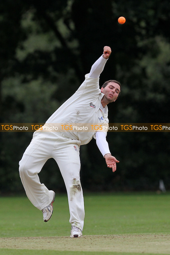 R Lugg of Shenfield in bowling action - Shenfield CC vs Upminster CC - Dukes Essex Cricket League Cup Final at Wanstead CC - 29/08/11 - MANDATORY CREDIT: Gavin Ellis/TGSPHOTO - Self billing applies where appropriate - 0845 094 6026 - contact@tgsphoto.co.uk - NO UNPAID USE.