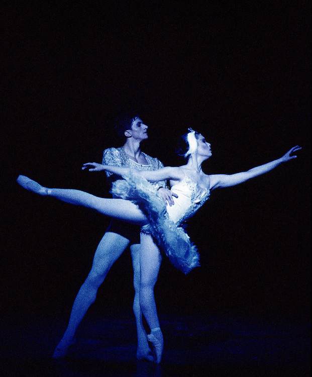 English National Ballet. Swan Lake. Fernanda Oliveira. Vladislav Bubnov