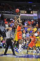 Syracuse wins the tip-off against Marquette during the NCAA East Regional Final at the Verizon Center in Washington, D.C. on Saturday, March 30, 2013. Alan P. Santos/DC Sports Box