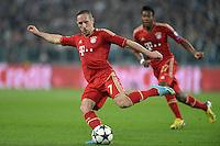 FUSSBALL  CHAMPIONS LEAGUE  VIERTELFINALE  RUECKSPIEL  2012/2013      Juventus Turin - FC Bayern Muenchen        10.04.2013 Franck Ribery (FC Bayern Muenchen) Einzelaktion am Ball