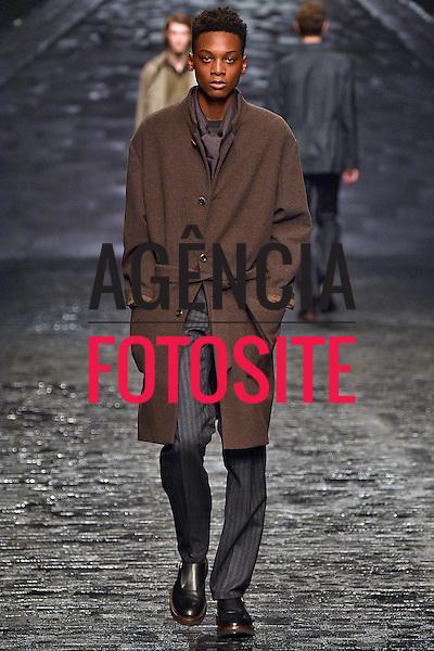 Corneliani<br /> <br /> Milao Masculino - Inverno 2016<br /> <br /> <br /> foto: FOTOSITE
