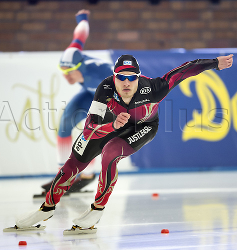 05.03.2016. Berlin, Germany. Patrick Beckert of Germany (r) in his 500 metre race against Alexis Contin of France, at the ISU World Allround Speed Skating Championships in Berlin.