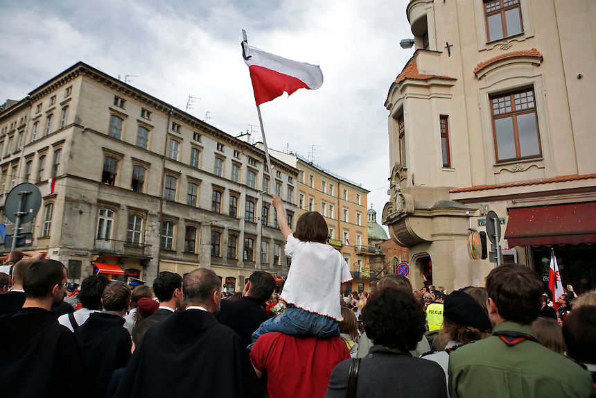 April 18, 2010 - Thousands attended memorial ceremonies in Krakow on Sunday for President Lech Kaczynski and his wife Maria, who died in a plane crash with 94 others.  The day began with a mass at St. Mary's Basilica and ended with a burial at the Wawel Castle.
