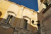 - Puglia, Gallipoli, facciata di un palazzo nella citt&agrave; vecchia<br /> <br /> - Apulia, Gallipoli, facade of a palace in the old city
