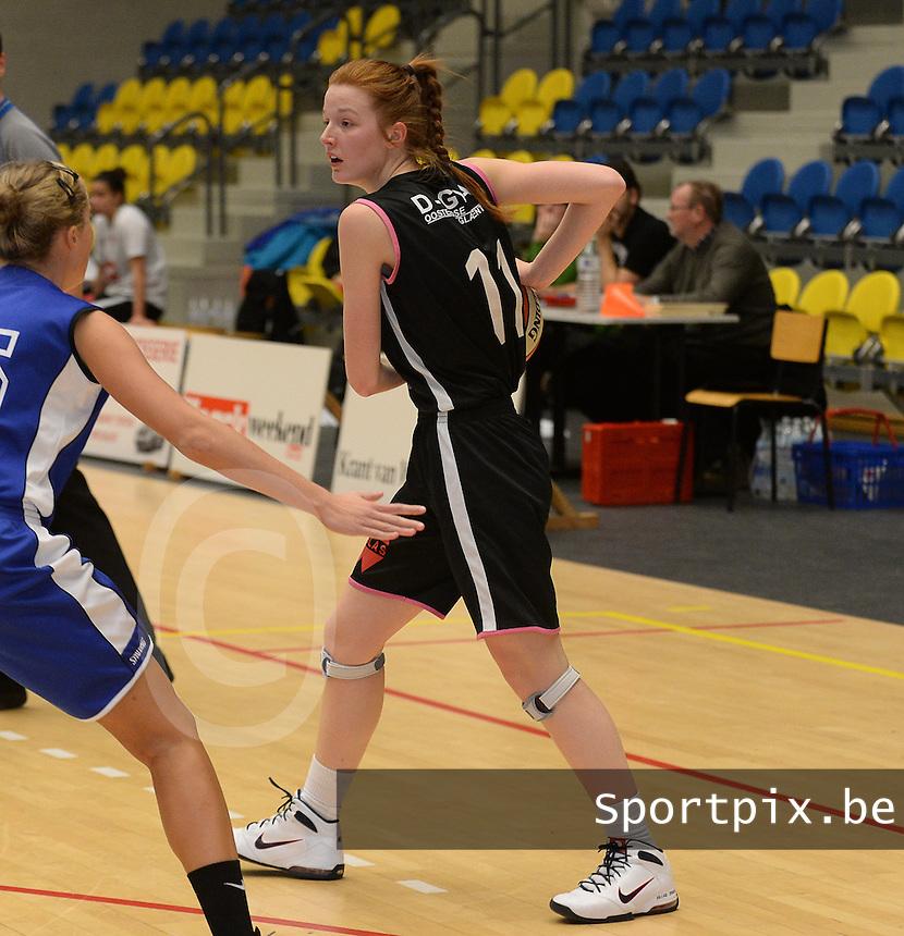 KB Oostende Bredene Dames : Naomi Surgeloose<br /> foto VDB / Bart Vandenbroucke