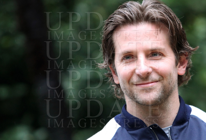 "L'attore statunitense Bradley Cooper posa durante il photocall del film ""Il lato positivo"" a Roma, 21 gennaio 2013..U.S. actor Bradley Cooper poses during a photocall of the movie ""Silver Linings Playbook"" in Rome, 21January 2013..UPDATE IMAGES PRESS/Isabella Bonotto"