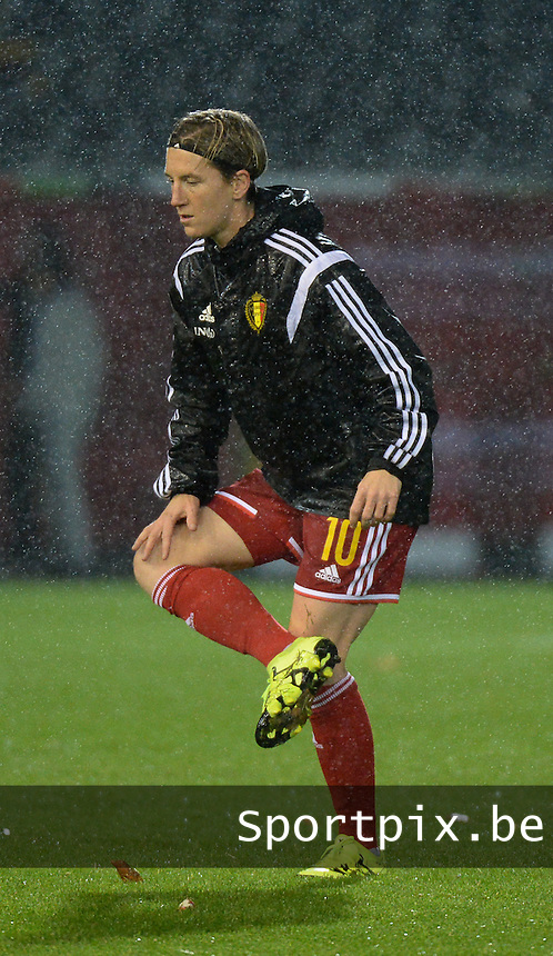20151130 - LEUVEN ,  BELGIUM : Belgian Aline Zeler pictured during the female soccer game between the Belgian Red Flames and Serbia , the third game in the qualification for the European Championship in The Netherlands 2017  , Monday 30 November 2015 at Stadion Den Dreef  in Leuven , Belgium. PHOTO DIRK VUYLSTEKE