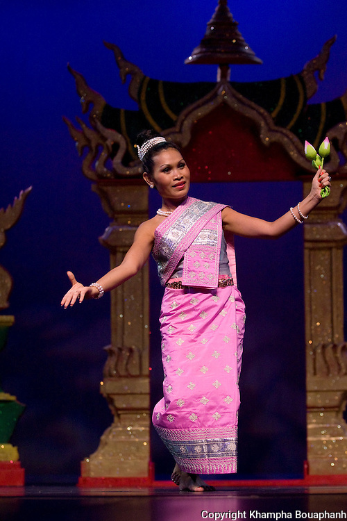 Vivian Obmalay peforms during the first annual Lao Artists Festival in Elgin, IL on August 21, 2010.  (photo by Khampha Bouaphanh)