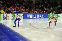 SCHAATSEN: HEERENVEEN: 14-12-2014, IJsstadion Thialf, ISU World Cup Speedskating, Pavel Kulizhnikov (RUS), Laurent Dubreuil (CAN), ©foto Martin de Jong