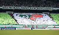 FUSSBALL   1. BUNDESLIGA   SAISON 2012/2013    28. SPIELTAG SV Werder Bremen - FC Schalke 04                          06.04.2013 Bremer Fans mit einer Choreographie mit der Beschriftung BREMEN DU HAST DEN SCHLUESSEL ZU MEINEM HERZEN