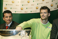 18-2-06, Netherlands, tennis, Rotterdam, ABNAMROWTT, Draw, Sjeng Schalken helps with the draw and draws himself against John van Lottum while tournament director Richard Kraajicek looks on