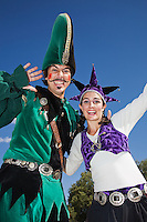 The Renaissance Fair is held each September at the historic museum of El Rancho de Las Golondrinas near Santa Fe and features dancers, kinghts, acrobats and many other performers all celebrating the culture and life style of the Medieval Middle Ages.  Clan Tynker is a family trouple that performs magic, juggling, acrobatics and other crowd pleasing feats. Santiago and Rebecca from Clan Tynker entertain on stilts.
