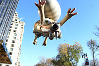 New York, NY-November 23: Ice Age Scat ballon attends the 91st Annual Macy's Thanksgiving Day Parade on November 23, 2017 held in New York City Credit: mpi43/MediaPunch /NortePhoto.com NORTEPHOTOMEXICO