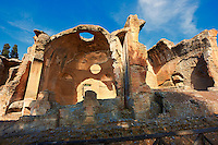Small Thermal  Baths at Hadrian's Villa ( Villa Adriana ) built during the second and third decades of the 2nd century AD, Tivoli, Italy. A UNESCO World Heritage Site.
