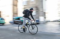 2020/03/12 Wirtschaft   Berlin   Fahrradkurier