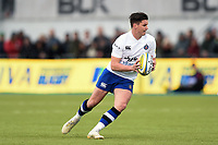 Freddie Burns of Bath Rugby in possession. Aviva Premiership match, between Saracens and Bath Rugby on April 15, 2018 at Allianz Park in London, England. Photo by: Patrick Khachfe / Onside Images