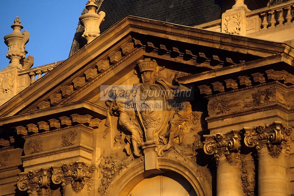 Europe/France/Ile-de-France/75008/Paris: Détail architecture du fronton du Petit Palais