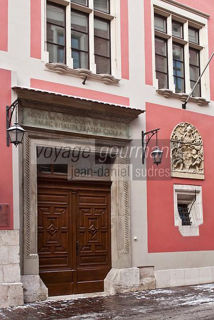 Europe/Voïvodie de Petite-Pologne/Cracovie:   Musée de l'Art Médiéval dans la rue Kanonicza, ancien Palais de Ciolek - Vieille ville (Stare Miasto) classée Patrimoine Mondial de l'UNESCO,