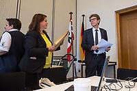 2. Sitzung des 2. Untersuchungsausschusses <br /> der 18. Wahlperiode des Berliner Abgeordnetenhaus - &quot;BER II&quot; - am Freitag den 7. September 2018.<br /> Der Ausschuss soll die Ursachen, Konsequenzen und Verantwortung fuer die Kosten- und Terminueberschreitungen des im Bau befindlichen Flughafens &quot;Berlin Brandenburg Willy Brandt&quot; aufklaeren.<br /> Als oeffentlicher Tagesordnungspunkt war die Beweiserhebung durch Vernehmung des Zeugen Staatssekretaer a. D. Prof. Dr.-Ing. Engelbert Luetke Daldrup vorgesehen.<br /> Im Bild vlnr.: Die Ausschussvorsitzende Melanie Kuehnemann-Grunow, SPD und der BER-Chef Engelbert Luetke Daldrup.<br /> 7.9.2018, Berlin<br /> Copyright: Christian-Ditsch.de<br /> [Inhaltsveraendernde Manipulation des Fotos nur nach ausdruecklicher Genehmigung des Fotografen. Vereinbarungen ueber Abtretung von Persoenlichkeitsrechten/Model Release der abgebildeten Person/Personen liegen nicht vor. NO MODEL RELEASE! Nur fuer Redaktionelle Zwecke. Don't publish without copyright Christian-Ditsch.de, Veroeffentlichung nur mit Fotografennennung, sowie gegen Honorar, MwSt. und Beleg. Konto: I N G - D i B a, IBAN DE58500105175400192269, BIC INGDDEFFXXX, Kontakt: post@christian-ditsch.de<br /> Bei der Bearbeitung der Dateiinformationen darf die Urheberkennzeichnung in den EXIF- und  IPTC-Daten nicht entfernt werden, diese sind in digitalen Medien nach &sect;95c UrhG rechtlich geschuetzt. Der Urhebervermerk wird gemaess &sect;13 UrhG verlangt.]