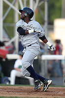 Staten Island Yankees outfielder Kelvin De Leon during a game vs. the Jamestown Jammers at Russell Diethrick Park in Jamestown Jammers, New York July 15, 2010.   Jamestown defeated Staten Island 5-1.  Photo By Mike Janes/Four Seam Images