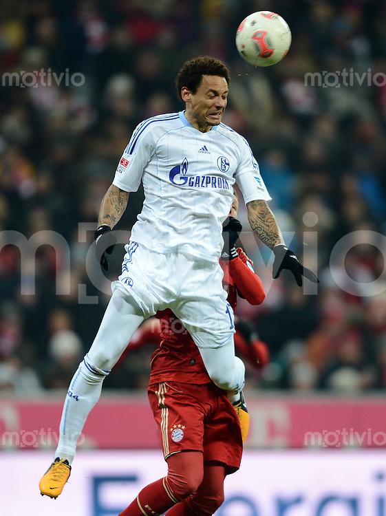 FUSSBALL   1. BUNDESLIGA  SAISON 2012/2013   21. Spieltag  FC Bayern Muenchen - FC Schalke 04                     09.02.2013 Jermaine Jones (FC Schalke 04) erfolgreich im Kopfballduell