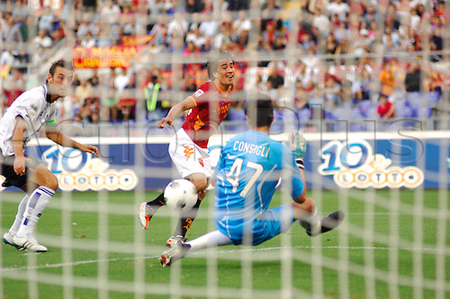 01.10.2011, Rome, Italy.  BOJAIN SCORES HIS GOAL  Serie A match between AS Roma vs Atalanta, played in the Stadio Olimpico. Mandatory credit: Actionplus