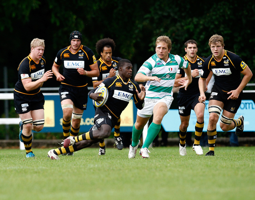Photo:Richard Lane/ Richard Lane Photography. London Wasps v Treviso Rugby. Pre Season Friendly. 27/08/2011. Wasps' Christain Wade attacks.