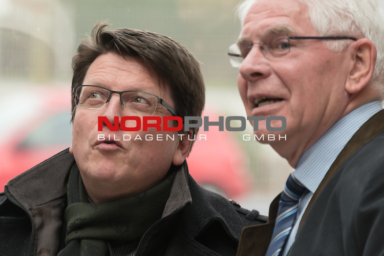 25.03.2015, Industriering, Lohne, Werder Bremen Deligation Besucht Fa Fahling in Lohne, im Bild<br /> <br /> Dr. Hubertus Hess-Grunewald (Gesch&auml;ftsf&uuml;hrer und Stellvertretender Aufsichtsratsvorsitzender) und Paul Heinz Wesjohann ( Seniorchef und Berater PHW-Gruppe / LOHMANN &amp; CO. AG)<br /> <br /> Foto &copy; nordphoto / Kokenge **** Attention **** keine Online / Social Media Verwendung ohne Absprache und Genehmigung ***** - Exclusiv Bilder ****