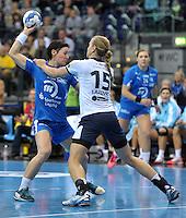 Handball Frauen Champions League 2013/14 - Handballclub Leipzig (HCL) gegen RK Krim Ljubljana am 13.10.2013 in Leipzig (Sachsen). <br /> IM BILD: Anne M&uuml;ller / Mueller (HCL) gegen Barbara Lazovic-Varlec (Krim) <br /> Foto: Christian Nitsche / aif