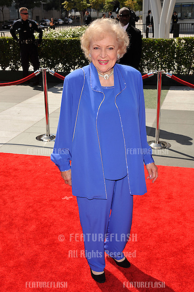 Betty White at the 2009 Creative Arts Emmy Awards at the Nokia Theatre L.A. Live in Downtown Los Angeles..September 12, 2009  Los Angeles, CA.Picture: Paul Smith / Featureflash