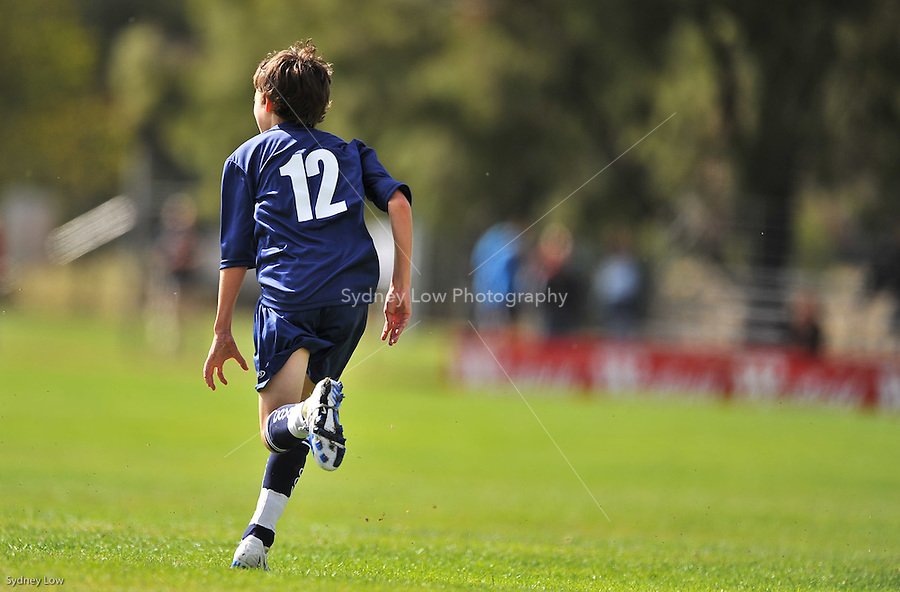 Victorian under 13 boys team versus Tasmania on Day 3 of the 2009 National Junior Championships, Canberra for U13 boys and U14 girls soccer players. 13 April 2009. Photo Sydney Low. All rights reserved.